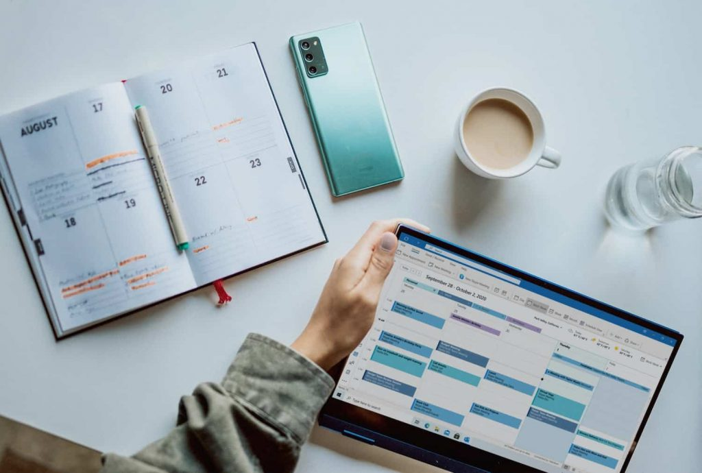 How to Create a Social Media Content Calendar: The Approach That Works in 2021